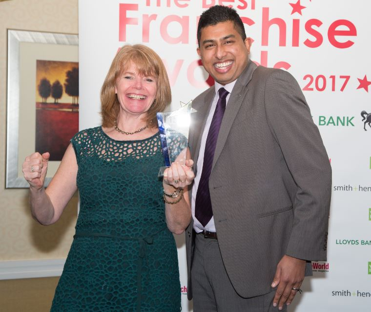 Sarah winning award 11217