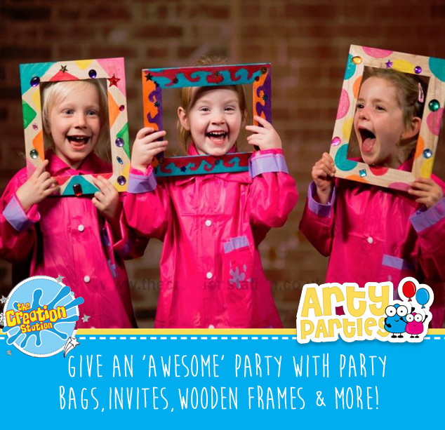Kids party entertainment wooden treasure frames