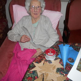 Help Create Positive Outcomes For Those With Dementia Through Creative Activities.