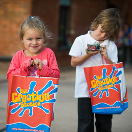 Receive a FREE Fun Arty Box when you book a Creation Station Arty Party