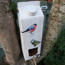 It's Make it Monday | Let's Make a Recycled Bird Feeder