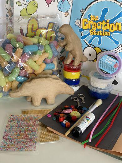 Dino party box